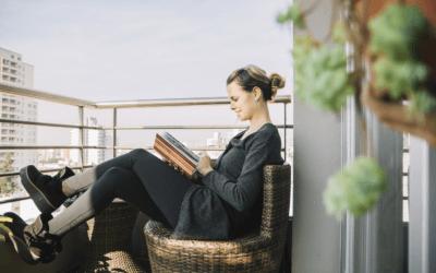 Balkon w bloku – niezwykłe pomysły i przykładowe aranżacje