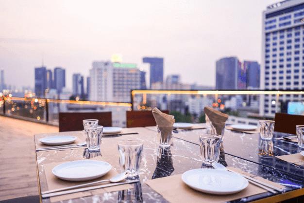 Balustrady montowane na dachach – o czym należy wiedzieć?